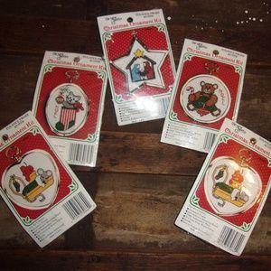 5 Christmas Ornament Kits